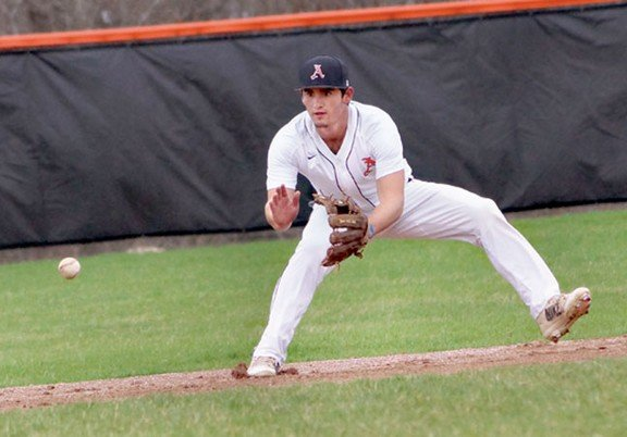 Almont wins a pair from Algonac
