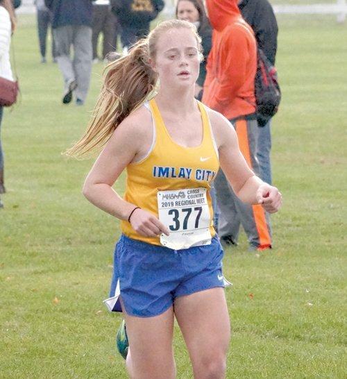 Imlay City's Denver running in finals