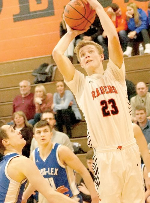 Almont falls  to Cros-Lex