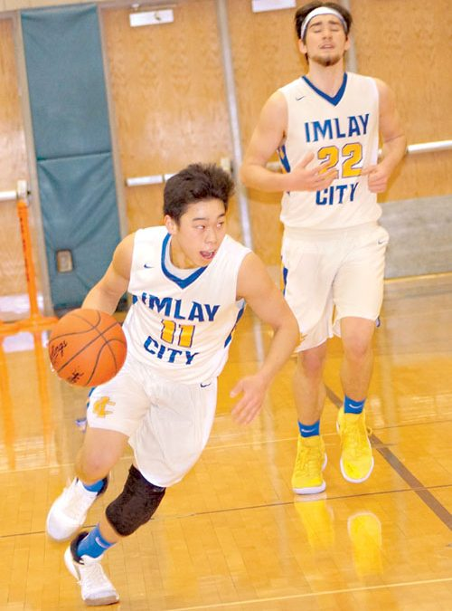Imlay City upsets Almont, 54-51