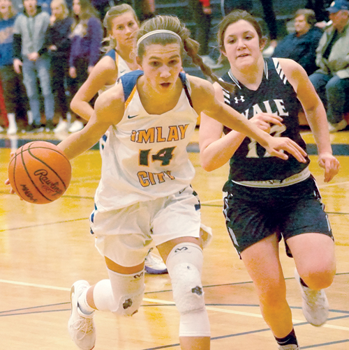 Imlay City takes BWAC lead