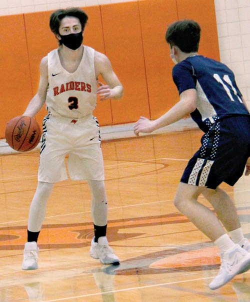 Almont outlasts Yale boys, 64-59