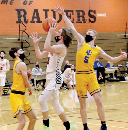 Raiders top Spartans in BWAC action, 73-65