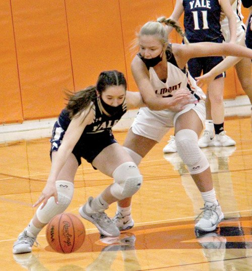 Almont pulls out victory over Yale