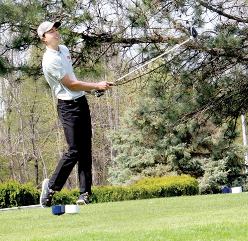 Almont wins BWAC event by 27 strokes